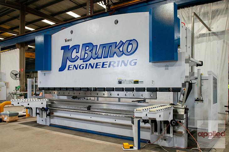 Yawei PBH 630-6200 CNC5 pressbrake. One of Australia's leading pressbrakes for high tonnage CNC bending.